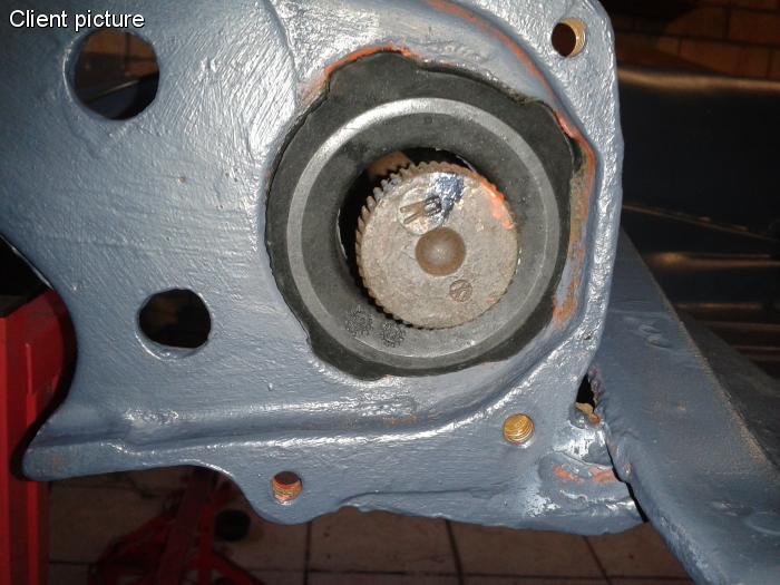 Pouzdro torzní tyče/L - Typ 1/3/14/181/Porsche 356C (1959 »)