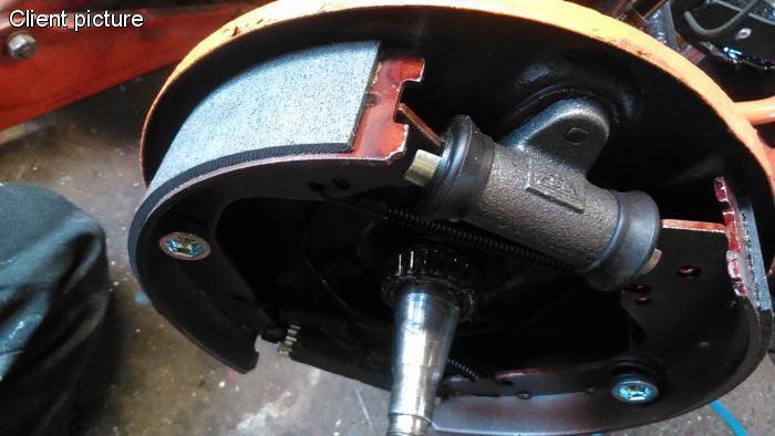 Čelisti brzd přední/zadní - T.1 1302/03 (1970 ») Typ 3/412 (» 1974)