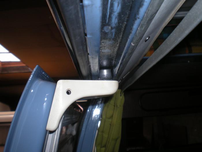Váleček posuvných dveří/horní - Typ 2 (1967 » 79)