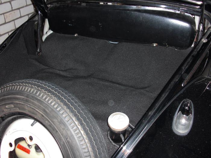 Koberec zavazadlového prostoru/černý - Typ 1 (1960 » 67)